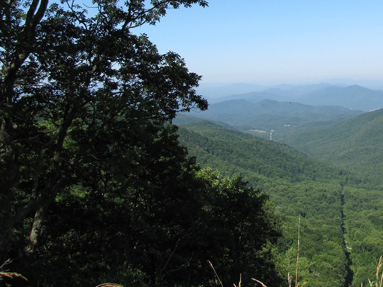 vacation-rental-blue-ridge-mountans-near-asheville-mountain-view-760x